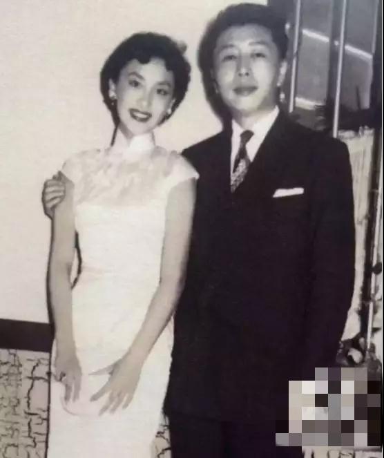 金庸先生喜欢她60年,却成为这辈子的遗憾